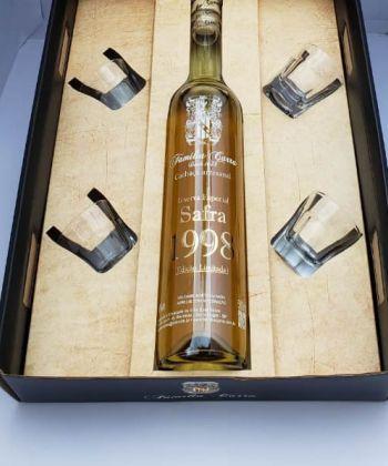 Kit 1 Cachaça Safra 1998 + 4 copos